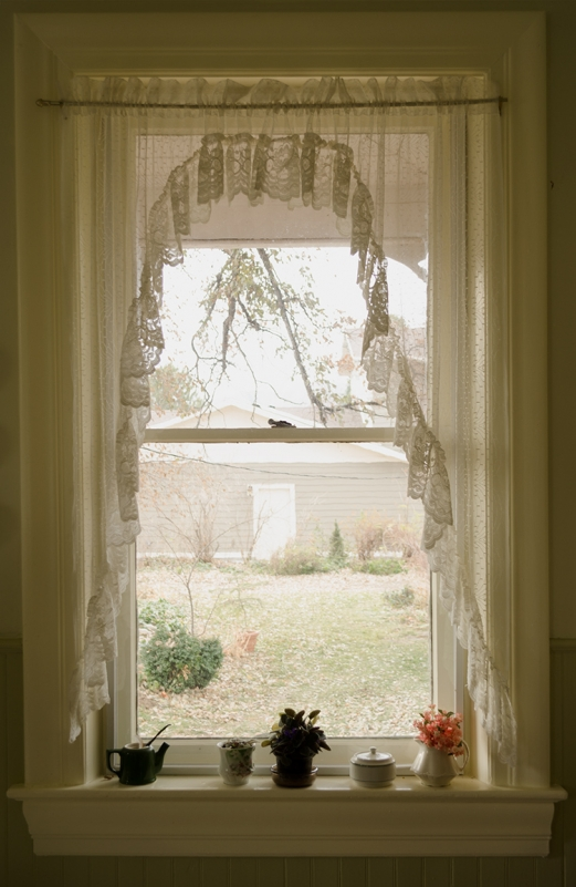 http://www.bryanhutchison.com/bryanhutchison.com/wordpress/files/gimgs/th-14_window-donna-5_750.jpg